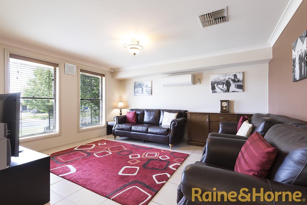 37 St Andrews Drive, Dubbo NSW 2830, Image 2