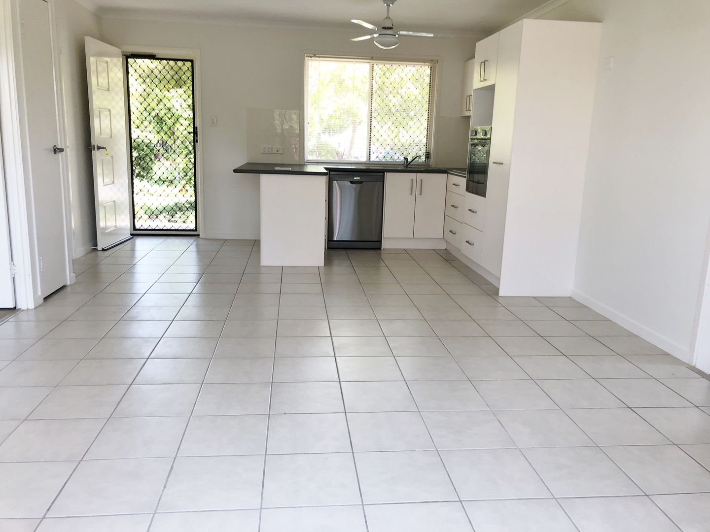 8 16 MARGARET STREET, Woodford QLD 4514, Image 2