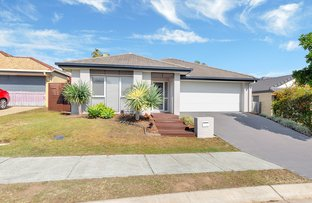 Picture of 143 Jubilee Avenue, Forest Lake QLD 4078