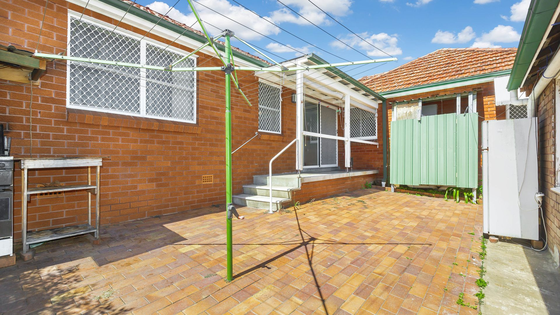 36 Duchess Avenue, Rodd Point NSW 2046, Image 2