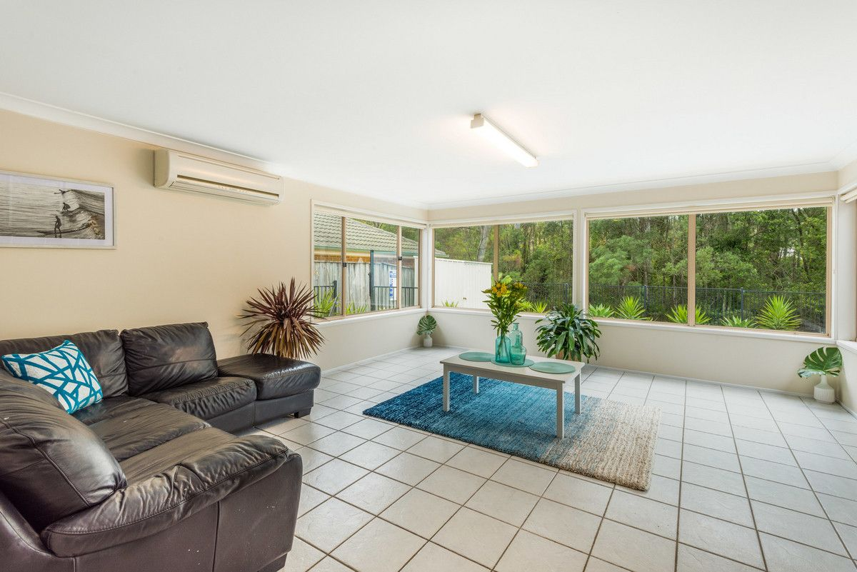 27 Sheffield Drive, Terrigal NSW 2260, Image 2