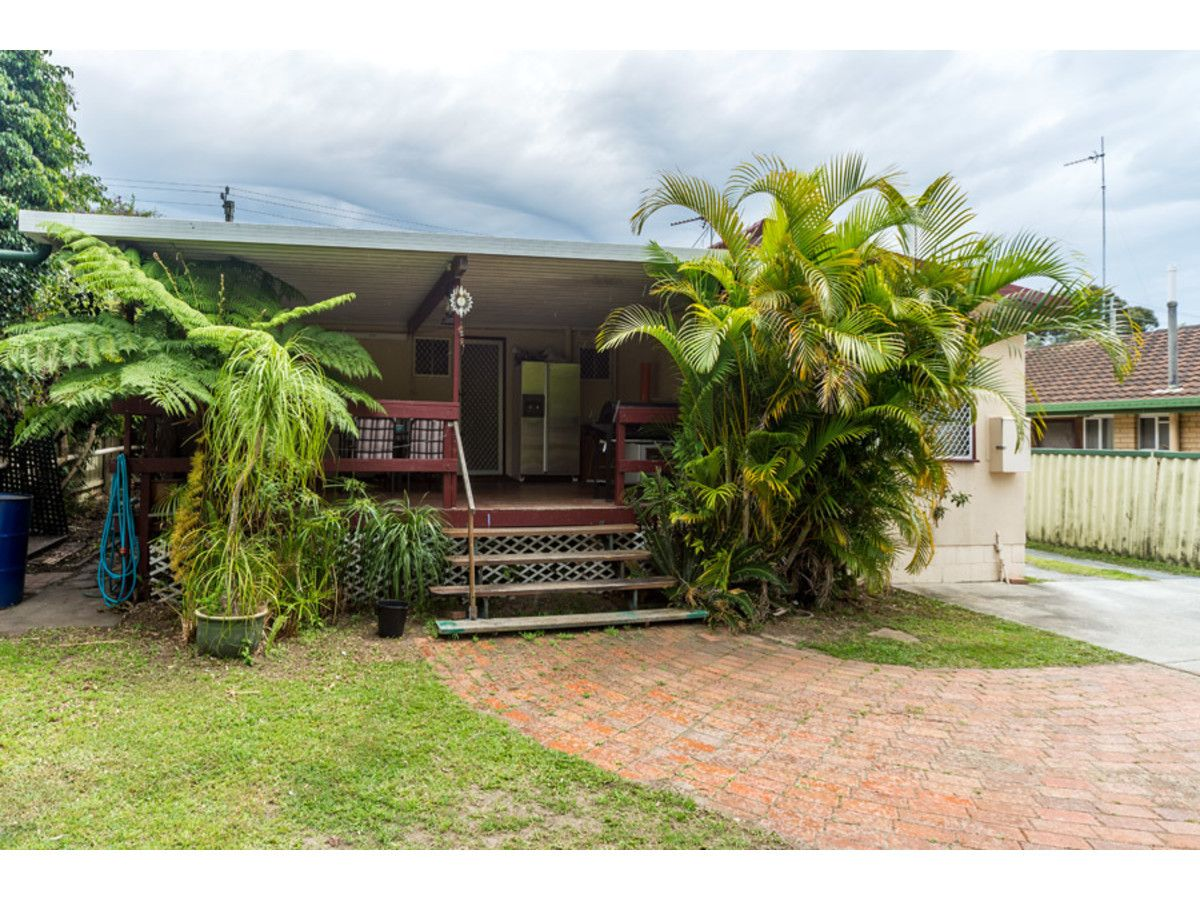 152 Government Road, Labrador QLD 4215, Image 2