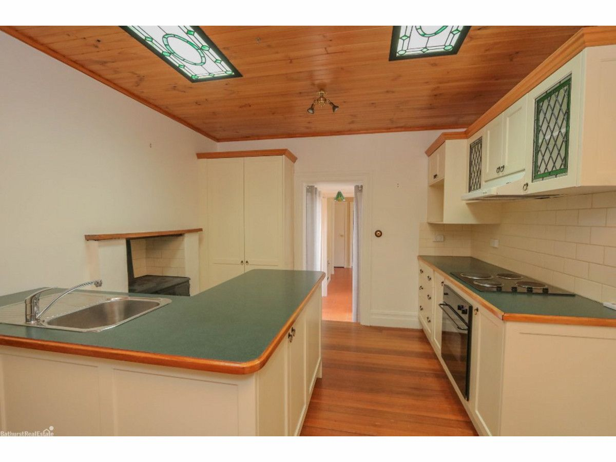 174 Piper Street, Bathurst NSW 2795, Image 2