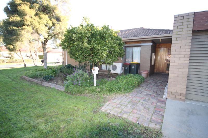 2/2 Sloan Street, Wangaratta VIC 3677, Image 0