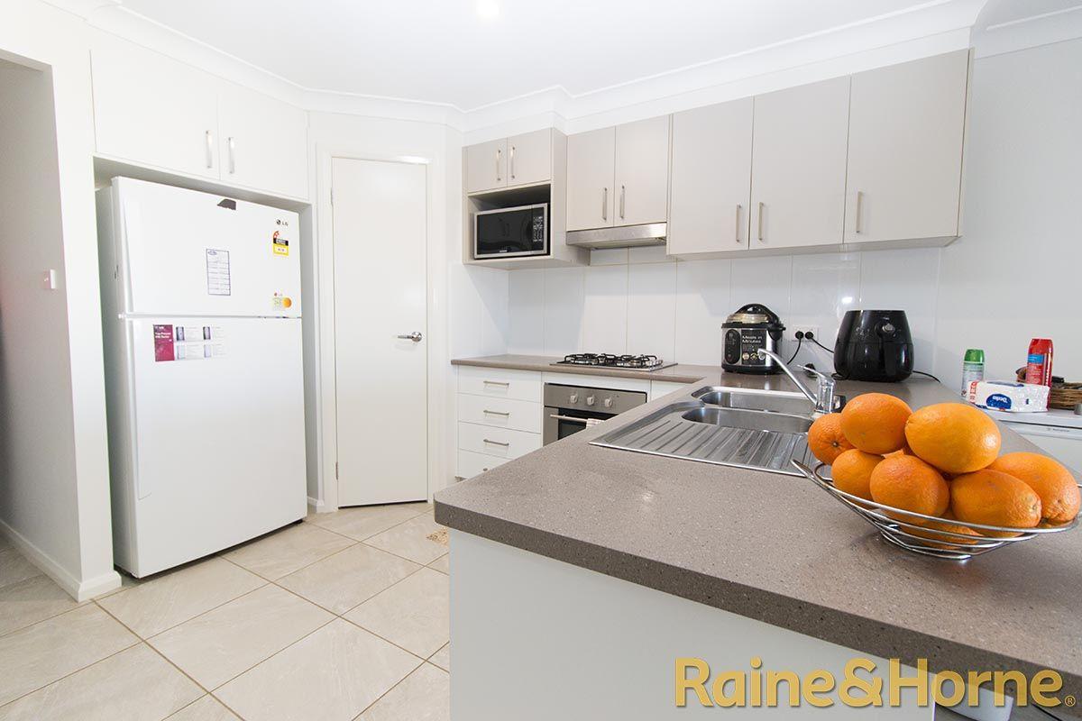 32B Lansdowne Drive, Dubbo NSW 2830, Image 2