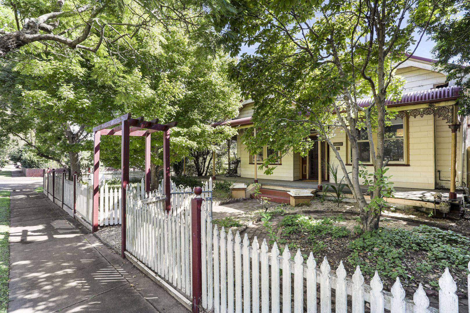 42 Roxburgh  Street, Lorn NSW 2320, Image 1