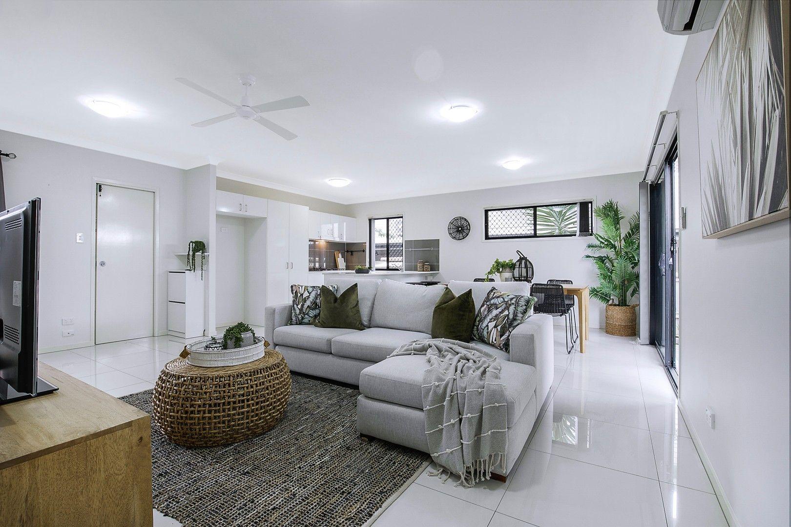2/39 Dickenson Street, Carina QLD 4152, Image 0