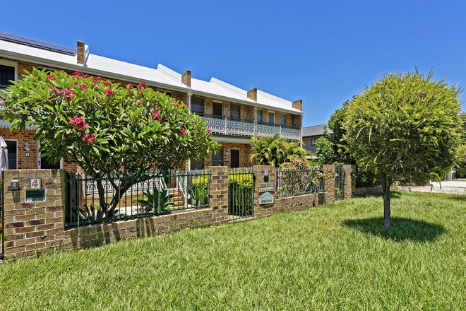 Picture of 1/7 Ella Street, REDCLIFFE QLD 4020