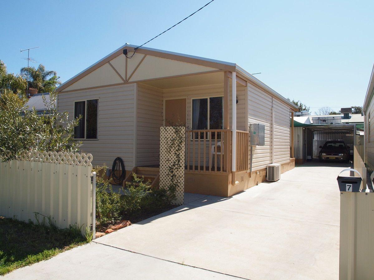 7 Crown Street, Narrandera NSW 2700, Image 0