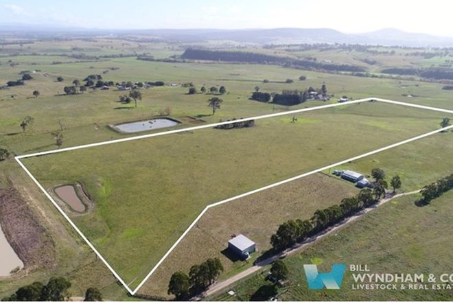 Picture of 1/172 Mittons Road, HILLSIDE VIC 3875