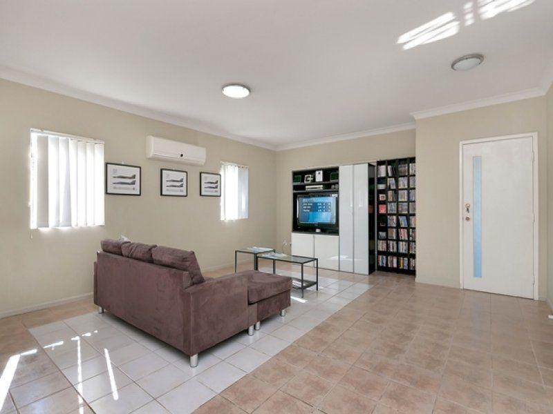 21A Ronald Street, Bundamba QLD 4304, Image 2