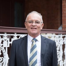 Graeme Russell, Sales representative