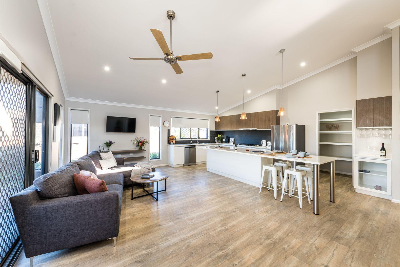 4 Farrer Street, Cranley QLD 4350, Image 2