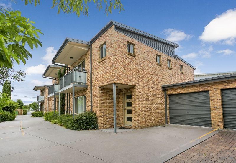 3/4 Mulloon Street, Queanbeyan East NSW 2620, Image 0