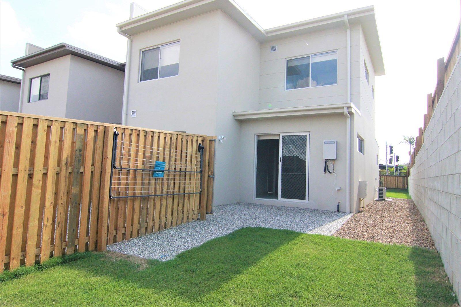 28 Napier Circuit, Silkstone QLD 4304, Image 1