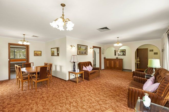 Picture of 118 Buckingham Drive, HEIDELBERG VIC 3084