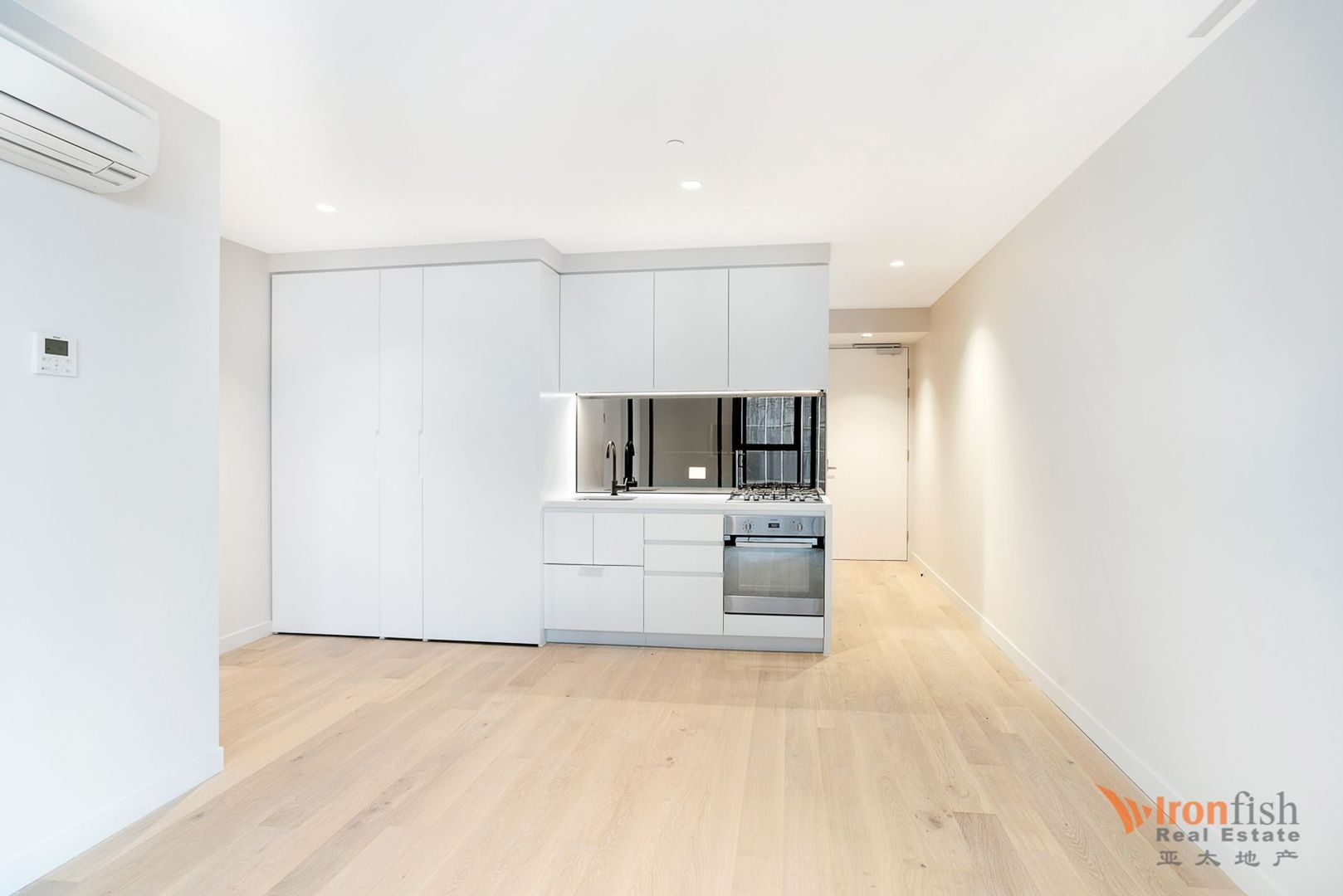 5810/442 Elizabeth Street, Melbourne VIC 3000, Image 2