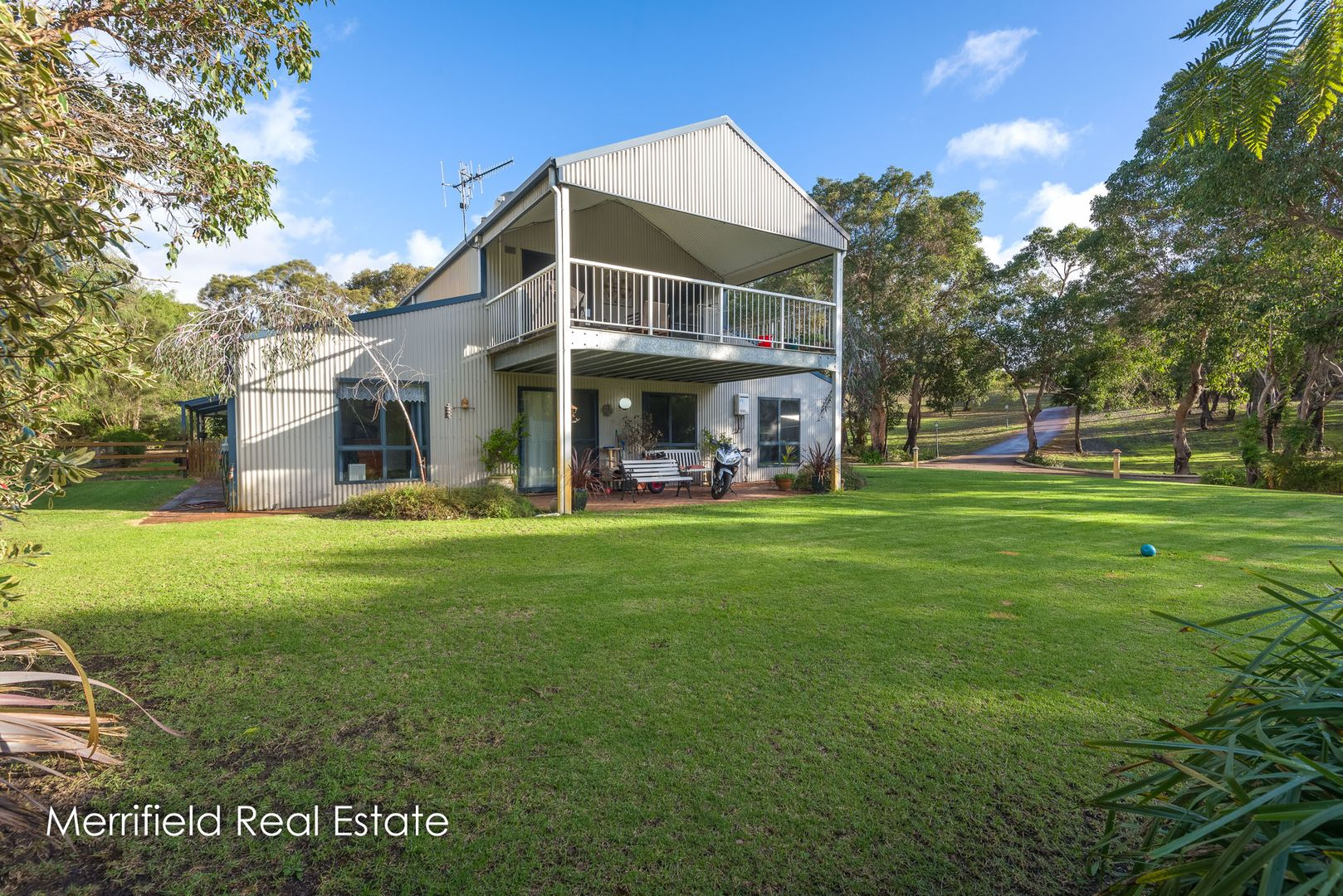 135 O'Connell Street, Little Grove WA 6330, Image 0