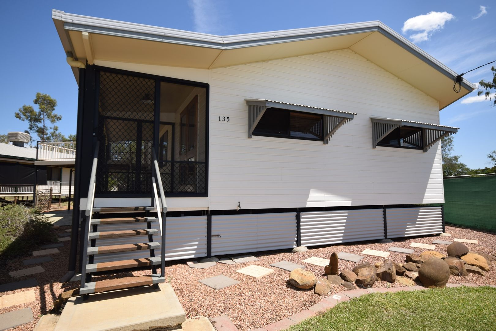 135 Falcon Street, Longreach QLD 4730, Image 2