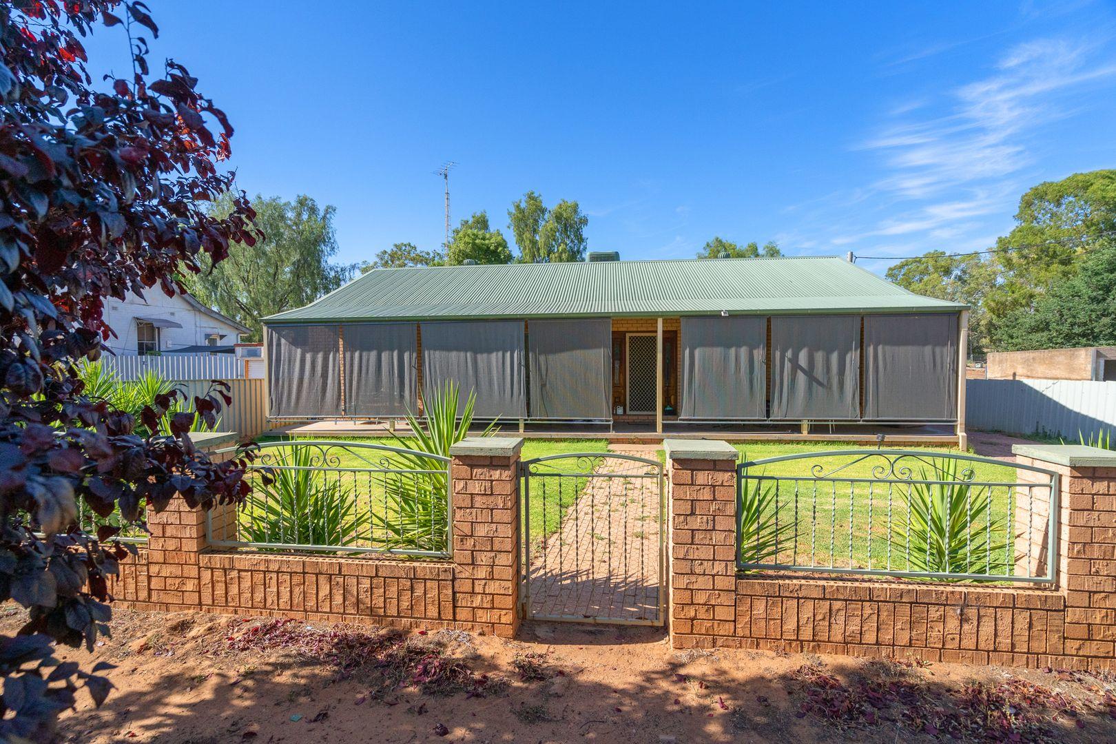 142 Larmer Street, Narrandera NSW 2700, Image 1