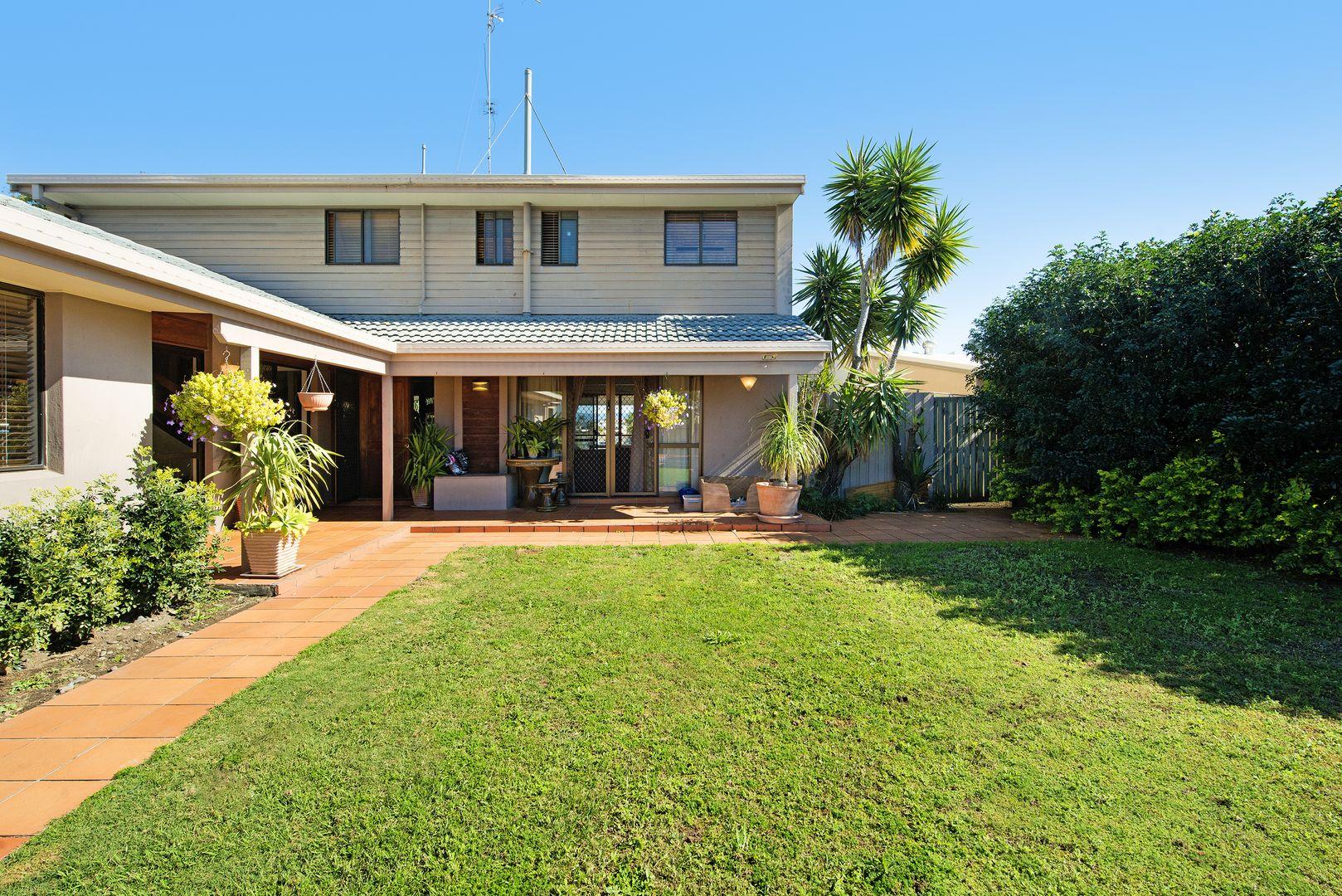 30 Blair Athol Crescent, Sorrento QLD 4217, Image 2