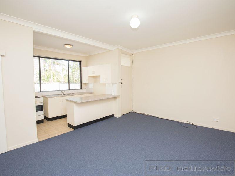 1/3 Cumberland Street, East Maitland NSW 2323, Image 2