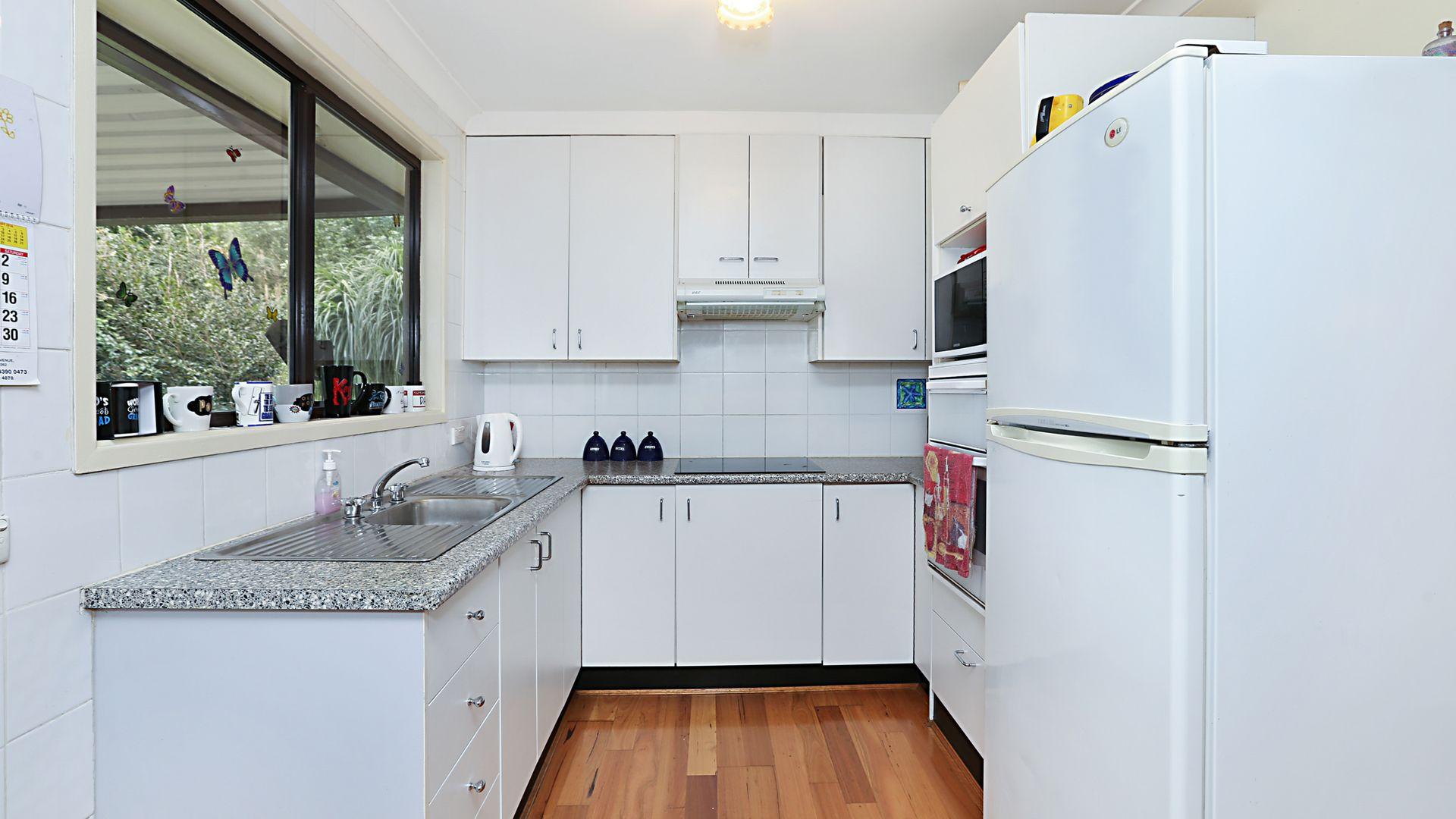 8 Elizabeth Bay Drive, Lake Munmorah NSW 2259, Image 2