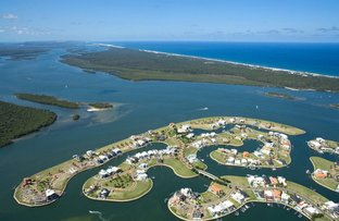 Picture of 24 Royal Albert Crescent, Sovereign Islands QLD 4216