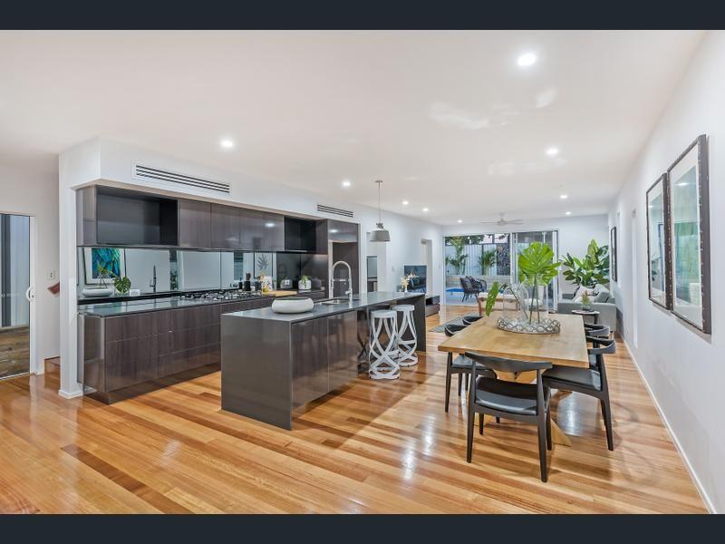 16 Oxley Terrace, Corinda QLD 4075, Image 2