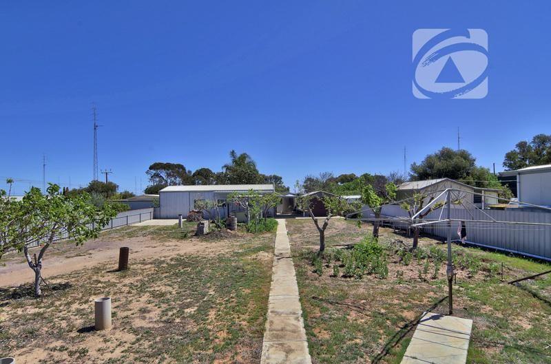 81 Coast Road, Moonta Bay SA 5558, Image 2