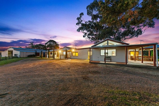 Picture of 9 East Road, PEARCEDALE VIC 3912