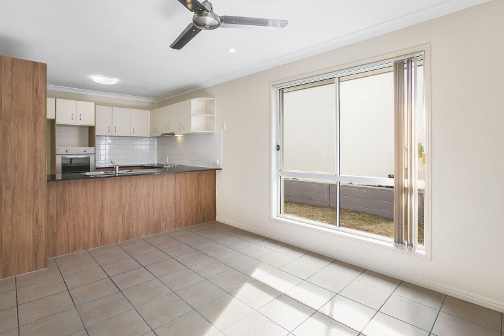 59 Tee Trees Boulevard, Arundel QLD 4214, Image 2