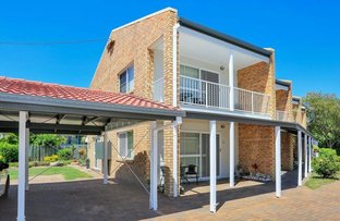 Picture of Unit 9/99 Cypress St, Torquay QLD 4655