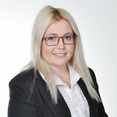 Emma Lucas, Sales representative