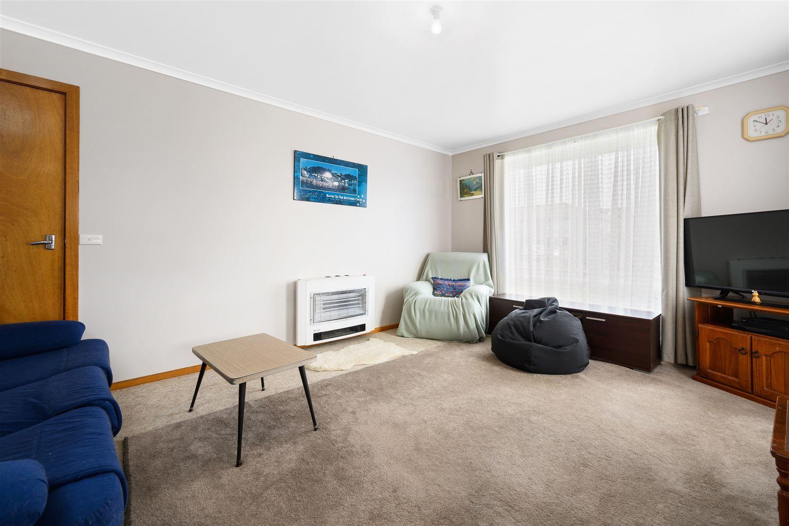 5 Turnbull Avenue, Upper Burnie TAS 7320, Image 2