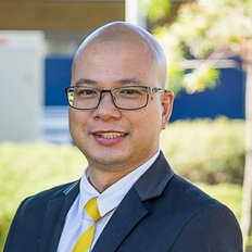 Julyous Del Rosario, Sales representative
