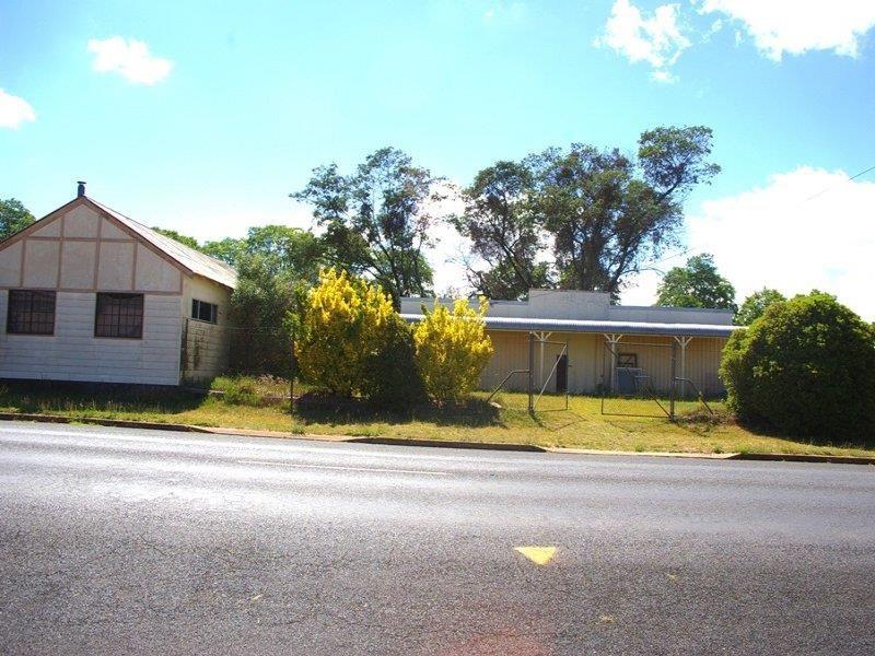 169 Bradley St, Guyra NSW 2365, Image 0