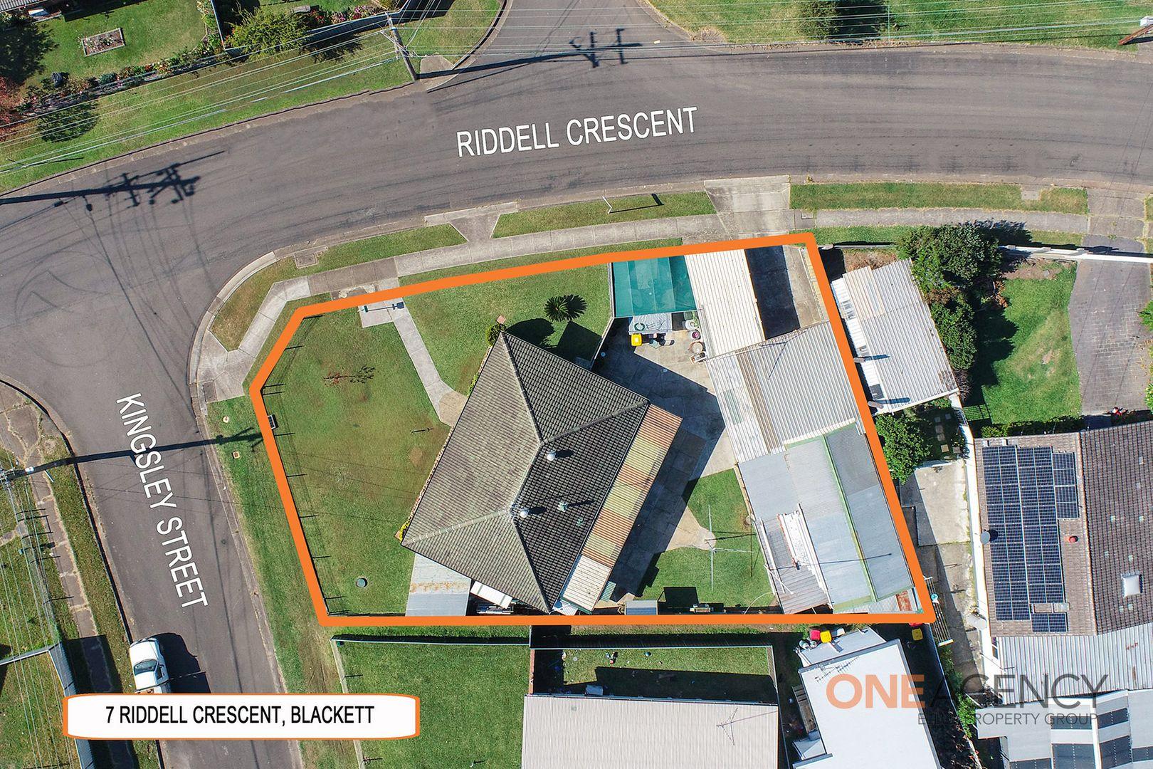 7 Riddell Crescent, Blackett NSW 2770, Image 0