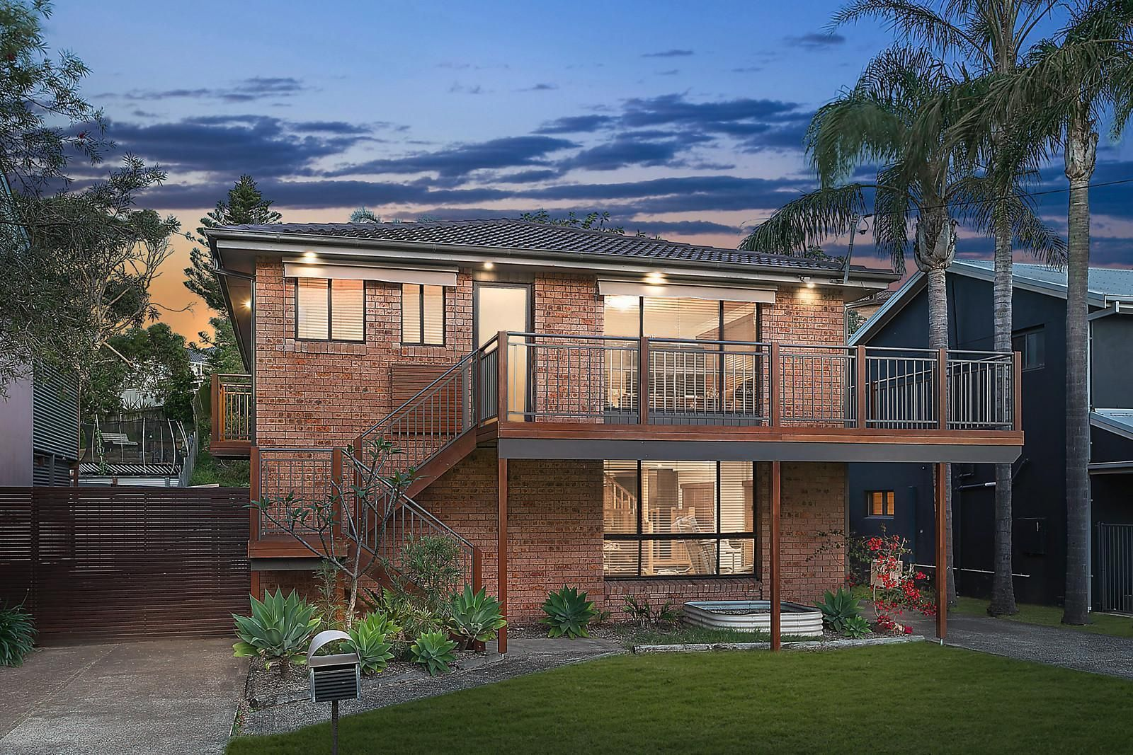 16 Bluewave Crescent, Forresters Beach NSW 2260, Image 0