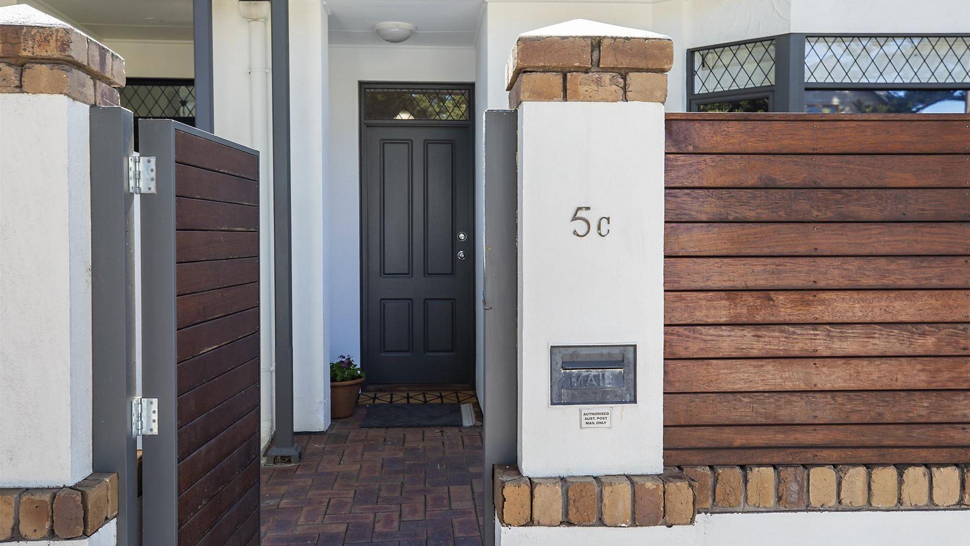 5C Pier Street, Glenelg SA 5045, Image 2