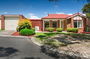 Picture of 12 Camira Court, Berwick VIC 3806