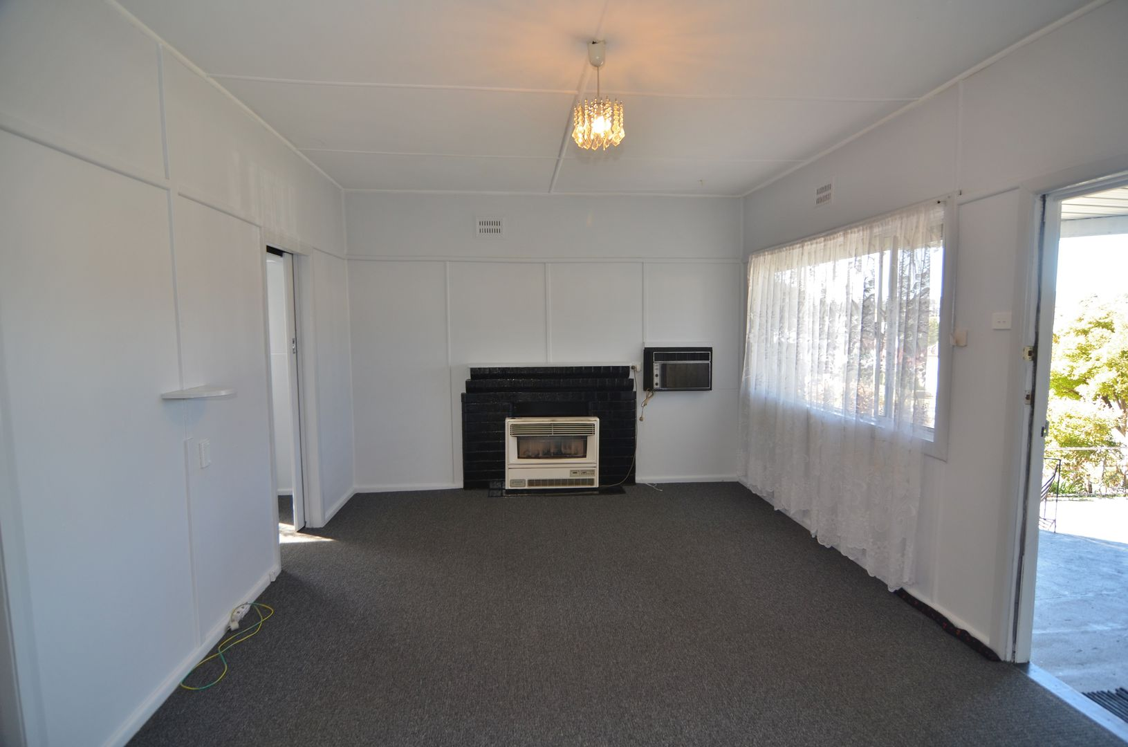 52 Outer Crescent, Lithgow NSW 2790, Image 2