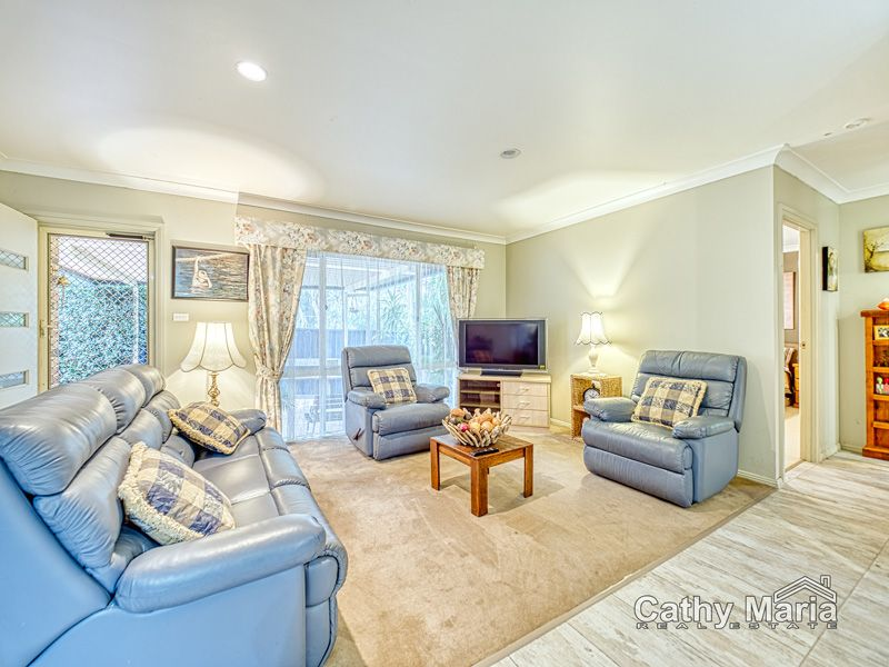 2/2 Dale Avenue, Chain Valley Bay NSW 2259, Image 1