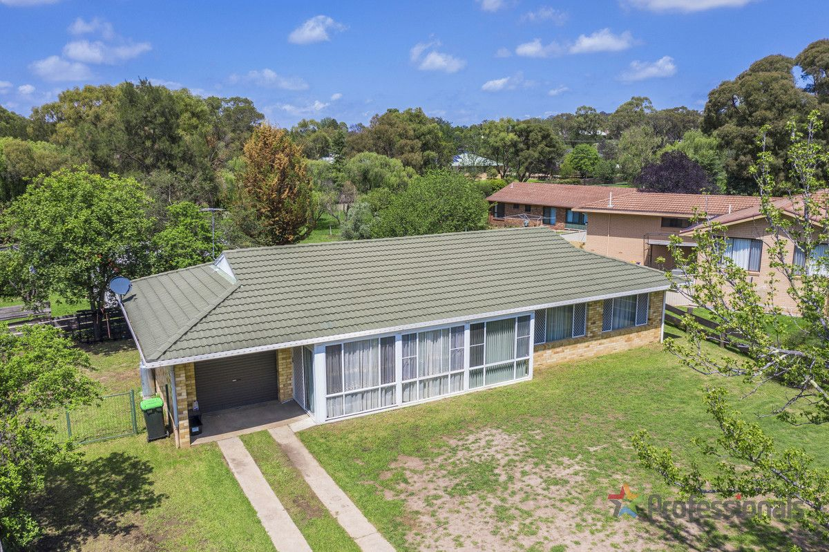 4 Tamar Place, Armidale NSW 2350, Image 0