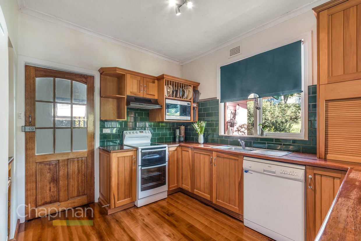 13 Wyoming Avenue, Valley Heights NSW 2777, Image 2