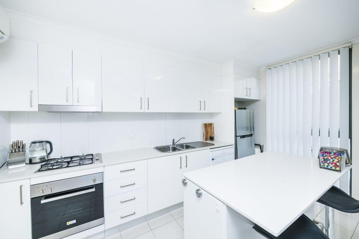 2/88 Henderson Road, Crestwood NSW 2620, Image 1