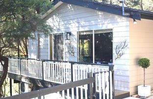 Picture of 15 Coral Tree Place, Point Clare NSW 2250
