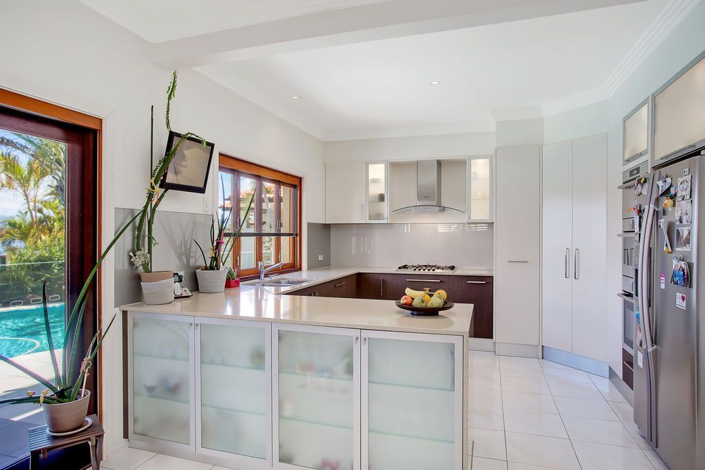 58 Montevideo Drive, Clear Island Waters QLD 4226, Image 2