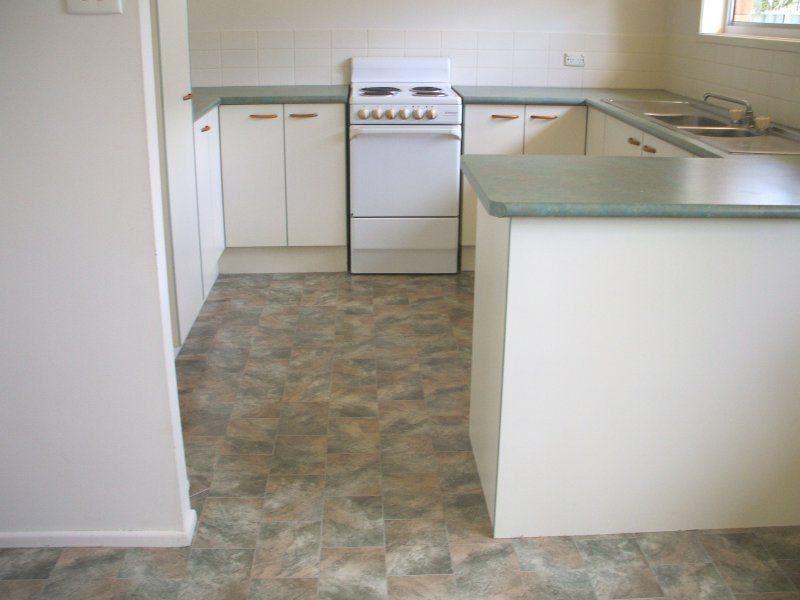 6 Kowandi Street, Wurtulla QLD 4575, Image 2