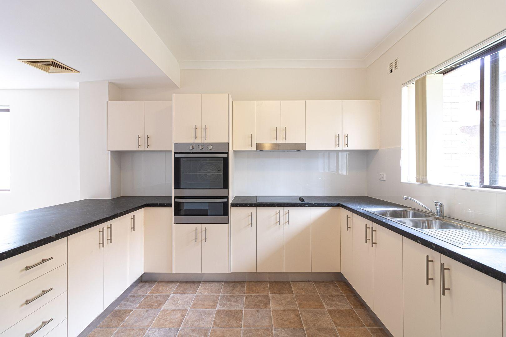 9/18 Hainsworth Street, Westmead NSW 2145, Image 1